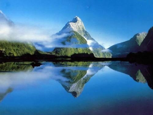 687-paysage---montagne-WallFizz[1]